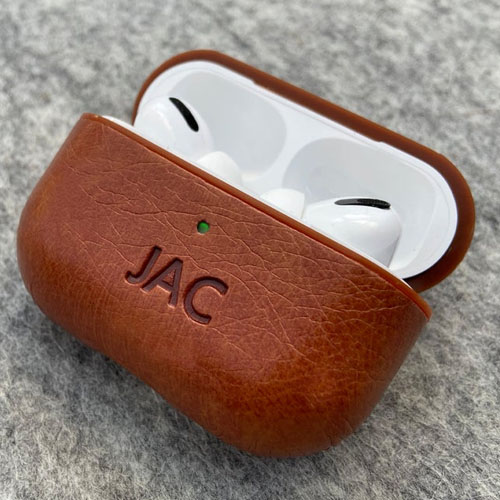 This personalized leather AirPods case is such a fun Father's Day gift idea under $50! #ABlissfulNest