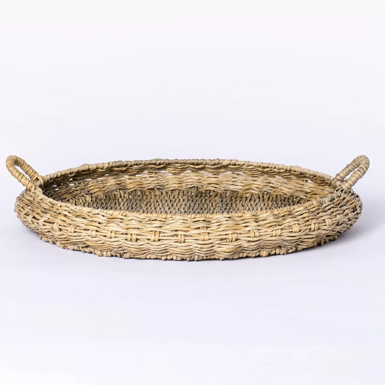 This rattan tray is a must have if you are entertaining outdoors this season! #ABlissfulNest