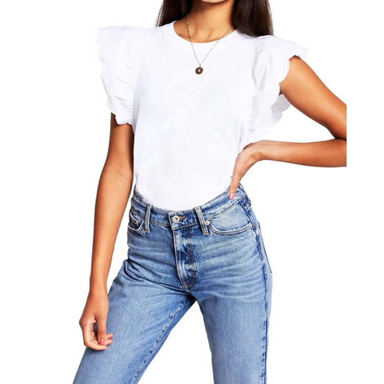 This white scallop sleeved tee is a perfect casual tee that you can also dress up this summer! #ABlissfulNest