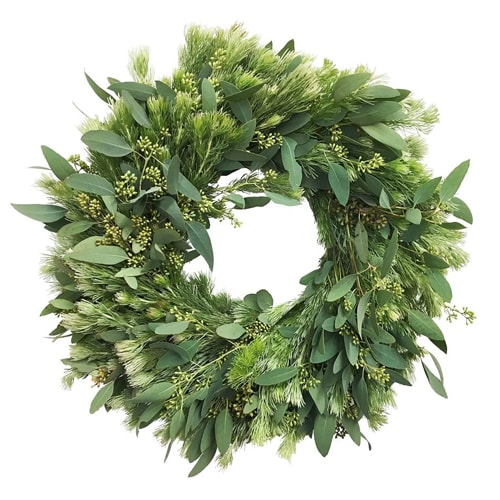 This woolly bush and eucalyptus wreath is simple but oh so pretty for the summer months! #ABlissfulNest