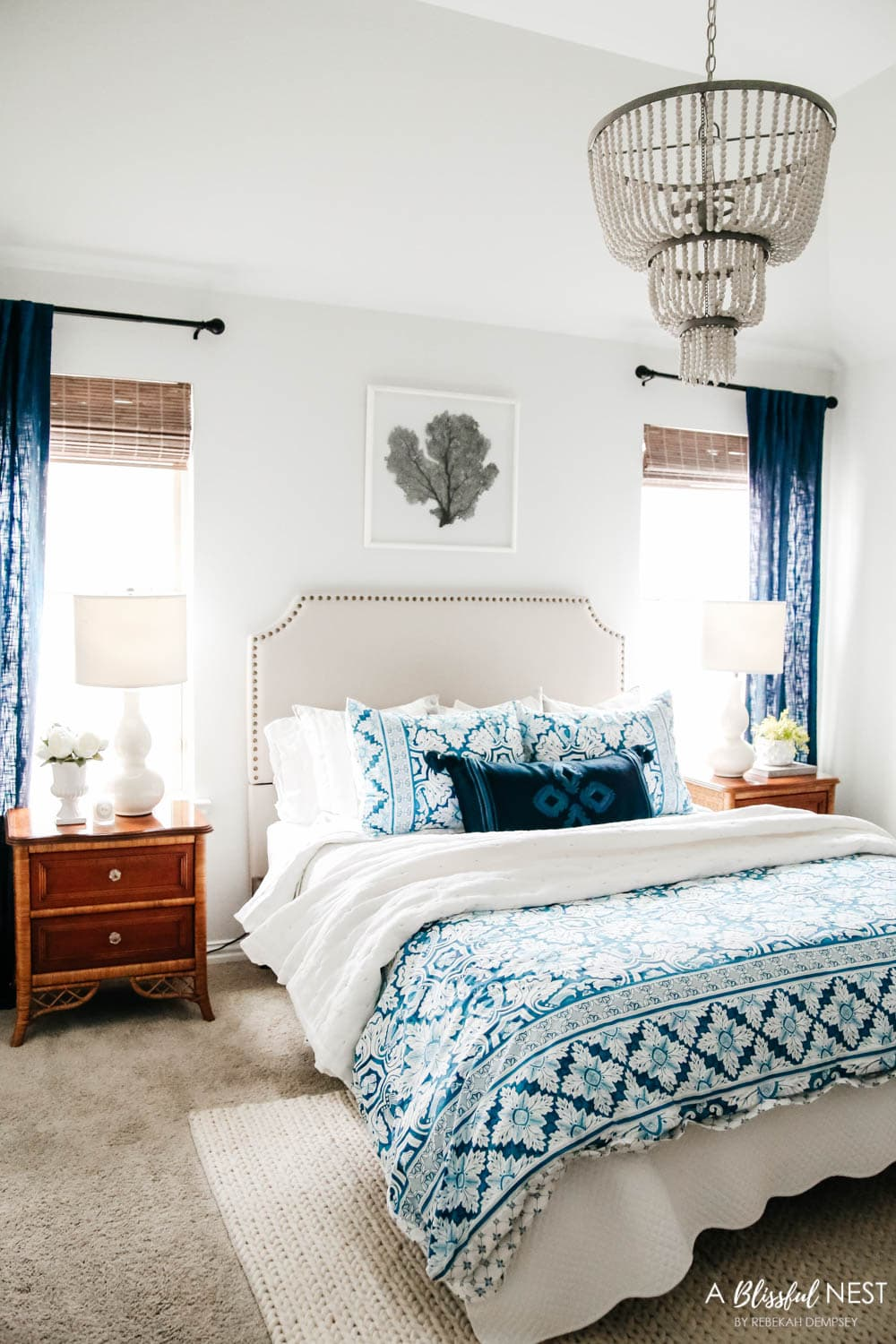 Guest bedroom decor ideas featuring decor from Black Rock Galleries a online consignment sale website. #ABlissfulNest #ad #bedroomdecor #bedroomideas