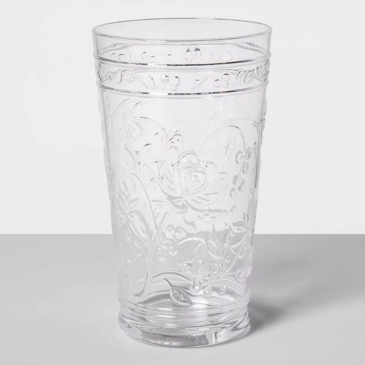 These plastic floral tumbler glasses are only $2 and are perfect for your outdoor dining setup this season! #ABlissfulNest