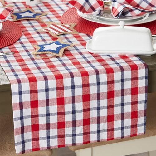 ¡Este camino de mesa rojo, blanco y azul es imprescindible para el entretenimiento de este verano!  #ABlissfulNest