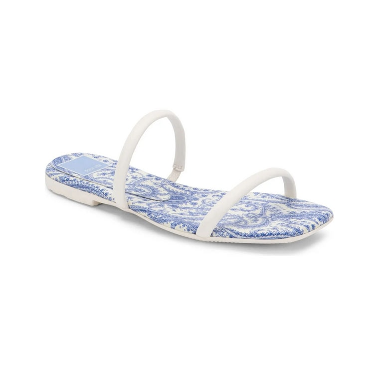 These white and floral slide sandals are so fun for summer! #ABlissfulNest
