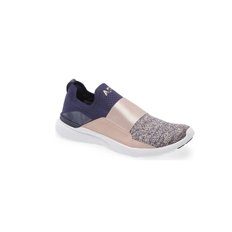 These colorblock APL sneakers are a must have, they're comfy AND so cute! #ABlissfulNest
