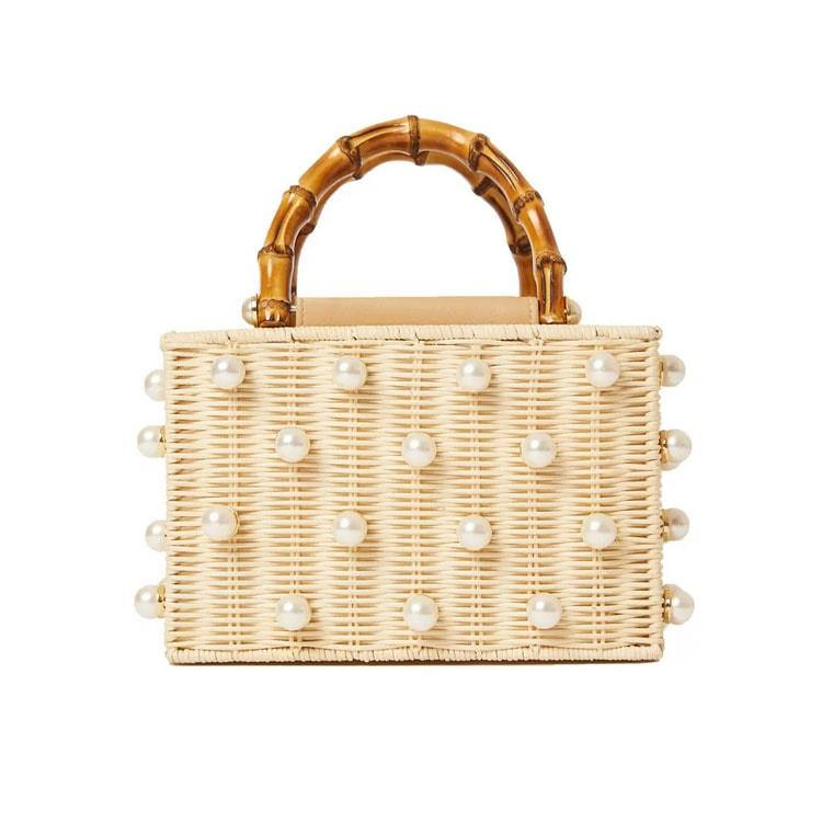¡Este bolso de mimbre perlado es imprescindible para el verano!  #ABlissfulNest