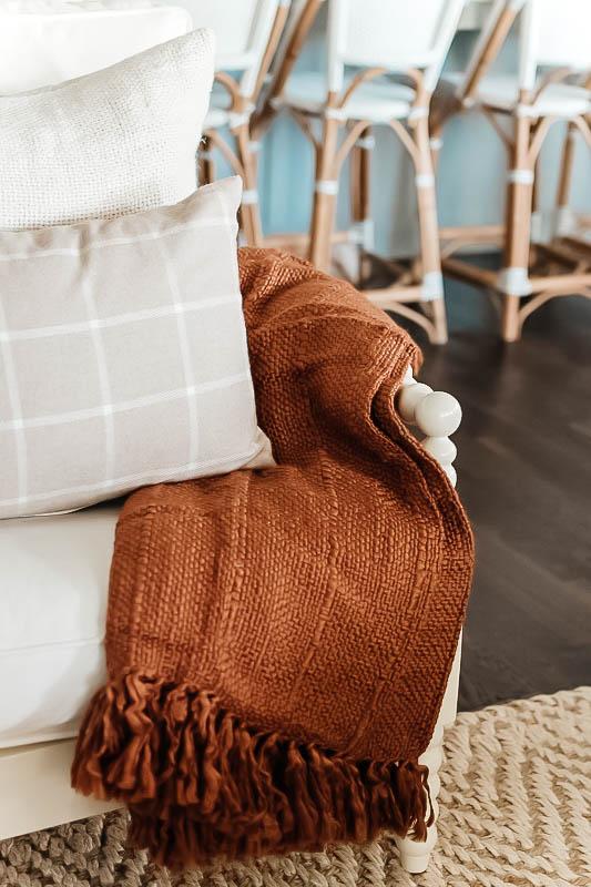 A gorgeous chunky knit blanket for fall! #ShopABlissfulNest #falldecor