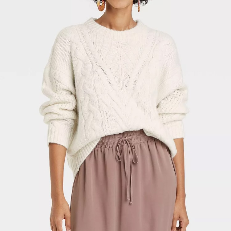 This white cable knit sweater is perfect for fall! #ABlissfulNest