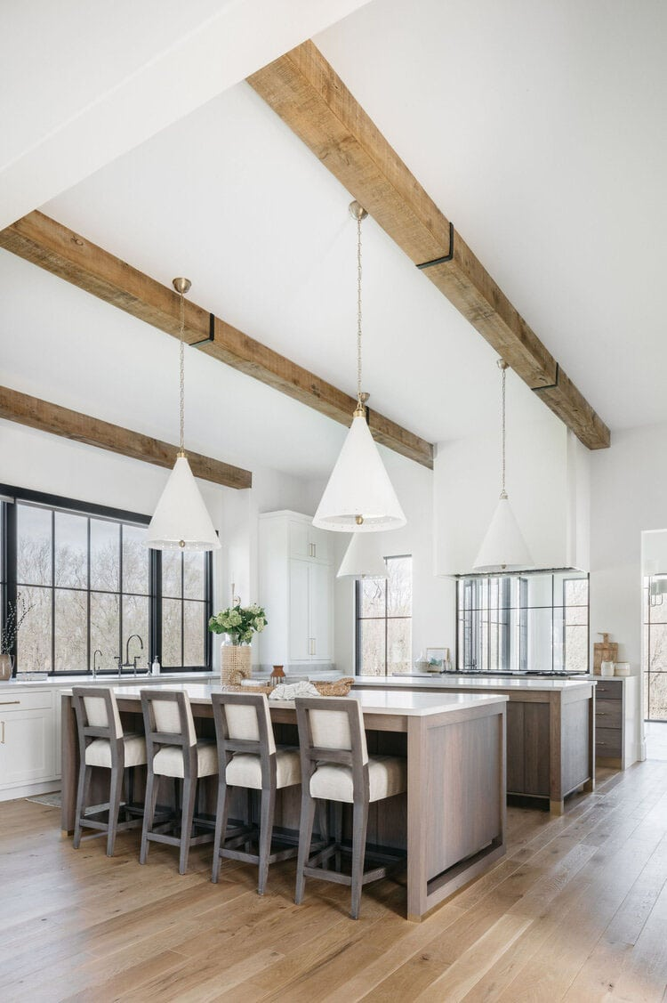 This natural toned kitchen designed by Kate Marker Interiors is such a big, opened and beautiful space!