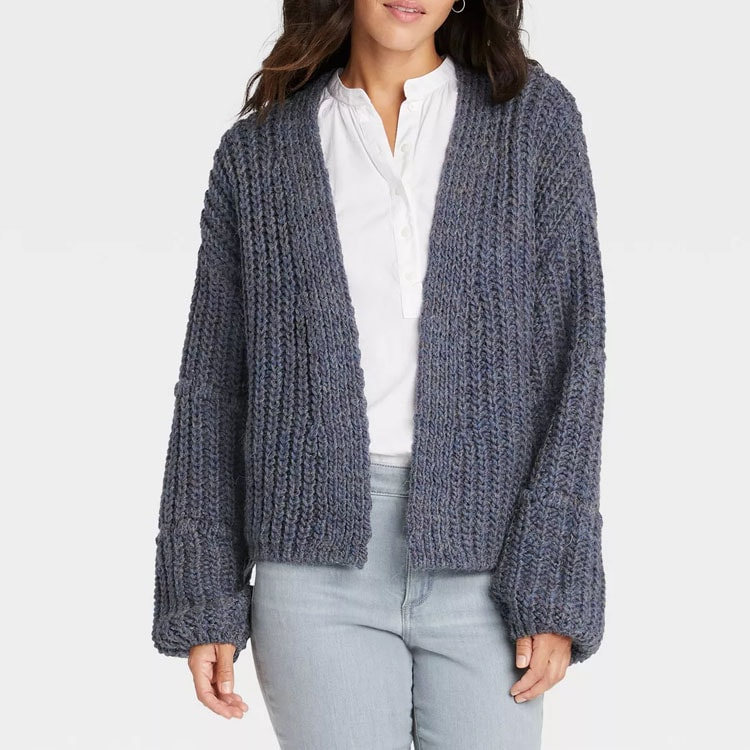 This navy knit cardigan is so beautiful and perfect for fall! #ABlissfulNest