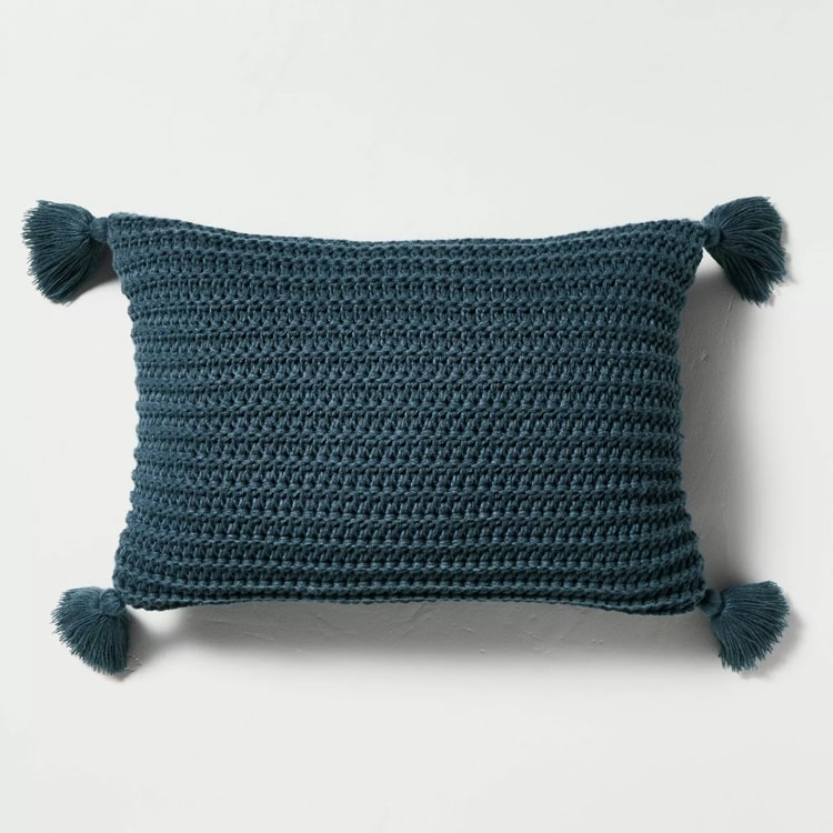 This chunky knit tassel throw pillow is a must-have for fall this season! #ABlissfulNest